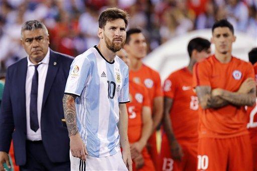 Messi thực sự khủng hoảng sau thất bại trước Chile