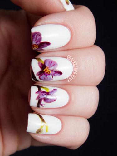 Hoa phong lan biểu tượng cho tình yêu, vẻ sang trọng và sự mạnh mẽ - liệu có giúp cho ngày cưới của bạn thêm hoàn hảo? Nhành phong lan với mỗi bông hoa trên một ngón tay sẽ thực sự là ý tưởng thiết kế độc đáo.