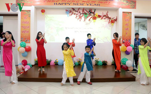 Buổi gặp mặt mừng Xuân Bính Thân diễn ra trong khuôn viên Đại sứ quán Việt Nam tại Jakarta.