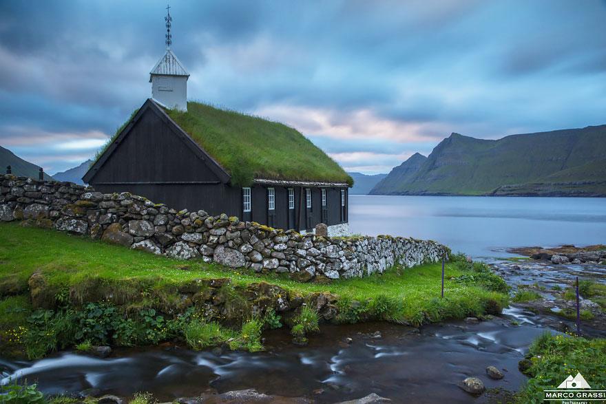 Một nhà thờ ở Funningur, quần đảo Faroe