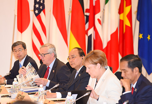 Thủ tướng Nguyễn Xuân Phúc và lãnh đạo các nước, tổ chức quốc tế tham dự Hội nghị Thượng đỉnh G7 mở rộng