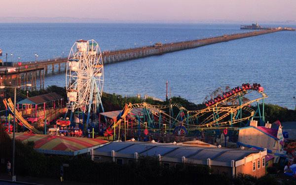 Southend-on-Sea là cầu cảng dài nhất thế giới.