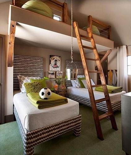 Phòng ngủ đậm chất sân cỏ cho các bé trai mê bóng đá.