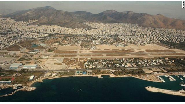Tổ hợp sân bay bỏ hoang Hellenikon tại thủ đô Athens