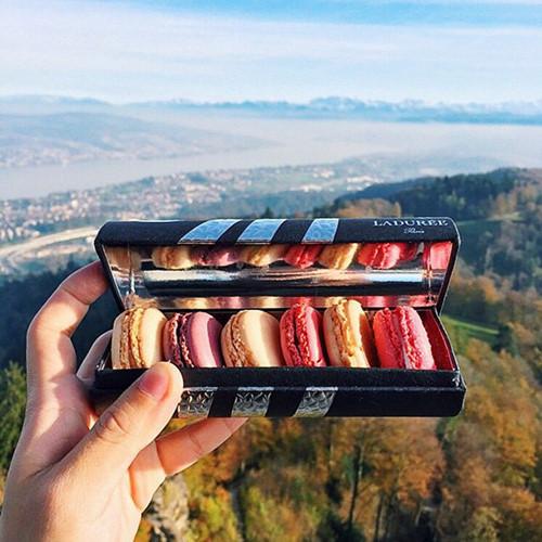 Món bánh Macaron Ladurée nổi tiếng ở Thụy Sỹ.