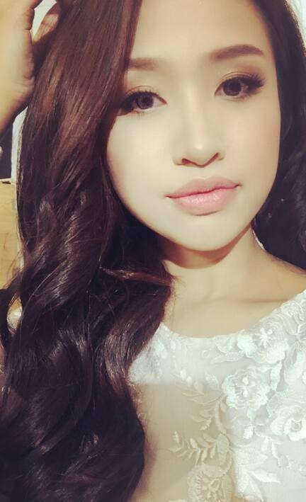 MC Thanh Vân Hugo xinh đẹp trong bức ảnh tự chụp. Cô cũng tham gia phim Zippo, Mù tạt và Em và lần đầu đảm nhận vai phản diện trên màn ảnh nhỏ.
