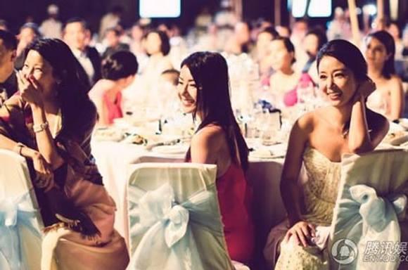 Hai năm trước, Lâm Tâm Như không nghĩ là sẽ có ngày mình kết hôn với người bạn thân lâu năm.
