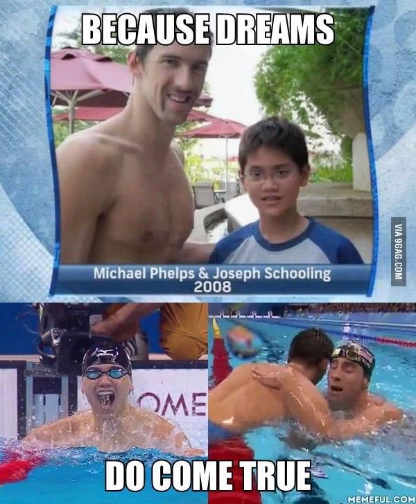 Bức ảnh chụp chung giữa Michael Phelps và Joseph Schooling 8 năm trước và hiện tại. (Ảnh: 9Gag)