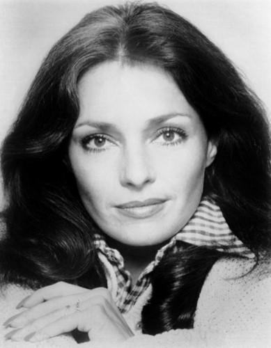 Jеnnіfеr ONеіll là người giữ kỷ lục kết hôn nhiều lần nhất trong số các sao nữ Hollywood. Nữ diễn viên đã từng trải qua 9 cuộc hôn nhân.
