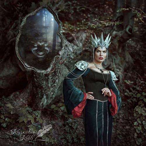 Hoàng hậu độc ác trong Nàng Bạch Tuyết và bảy chú lùn.
