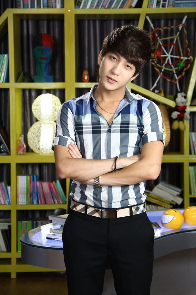 Bê Trần vào vai Phan lãng tử - một anh chàng nổi tiếng đào hoa trong phim 5S Online.
