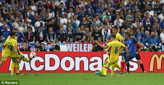 Bàn thắng tuyệt đẹp của Payet giúp ĐT Pháp khởi đầu thuận lợi tại EURO 2016
