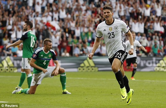 Mario Gomez trong màu áo ĐT Đức tại EURO 2016