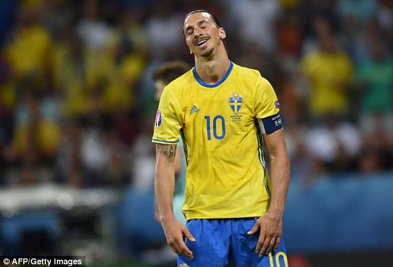 Nỗi thất vọng của Ibra trong trận đấu gặp Bỉ ở lượt trận cuối vòng bảng EURO 2016. Ảnh: AFP/ Getty