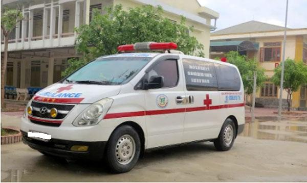 Vụ việc bảo vệ của bệnh viện Nhi T.Ư chặn xe cứu thương chở bệnh nhi đang gây xôn xao dư luận (Ảnh: Dân Trí)