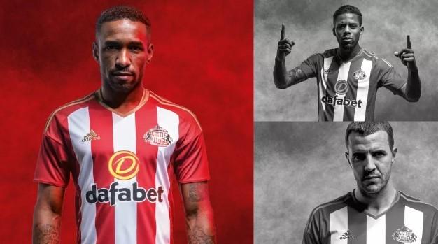 Mẫu áo đấu mới của Sunderland