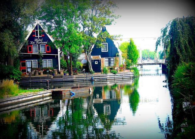 Ai không muốn được sống trong một ngôi nhà gỗ với dòng nước xanh lững lờ chảy ngay sát cạnh