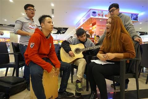 Nhóm Burning Mans đã có 2 thành viên (chơi trống và guitar) vượt qua vòng loại của Vietnams Got Talent, tiếp tục đưa 2 giọng ca của nhóm đi dự tuyển X-Factor