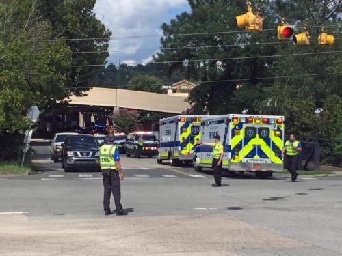 Cảnh sát phong tỏa khu vực xảy ra vụ việc. (Ảnh: zerohedge.com)