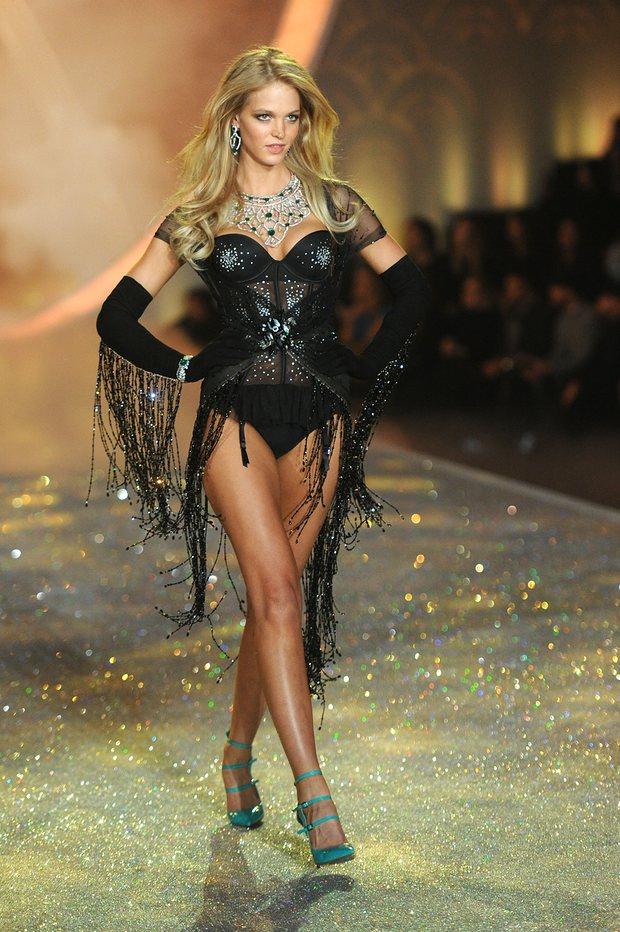 Việc Erin Heatherton lên tiếng về lý do cô rời Victoria's Secret được xem là hành động rất dũng cảm (Ảnh: Getty)