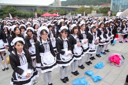 Các cô gái có sự đa dạng về trang phục hầu gái mà mình lựa chọn