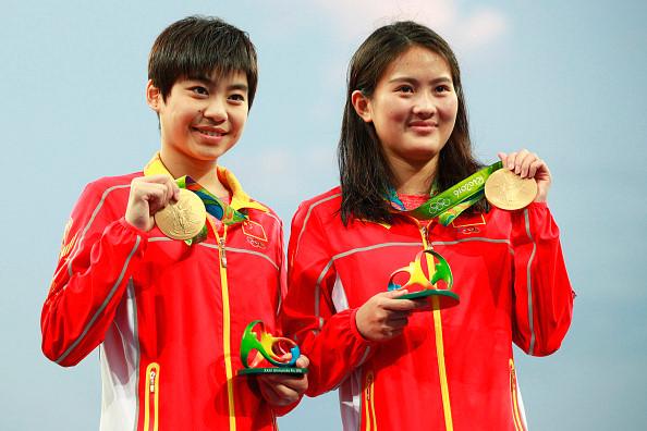2/ Chen Ruolin/Liu Huixia (Nhảy cầu đôi nữ ván cứng 10m - Trung Quốc).