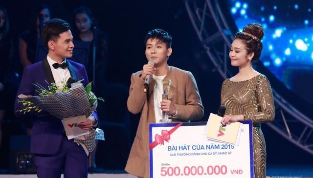Hoài Lâm nhận giải Bài hát yêu thích của năm 2015, khép lại chương trình này sau 4 năm phát sóng.