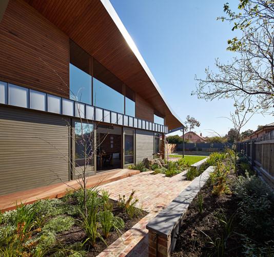 Đây là một căn biệt thự được thiết kế theo phong cách nhà vườn