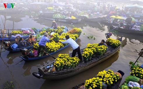 Ảnh nghệ thuật Nhộn nhịp chợ xuân của Nguyễn Hữu Hồng - Cần Thơ.