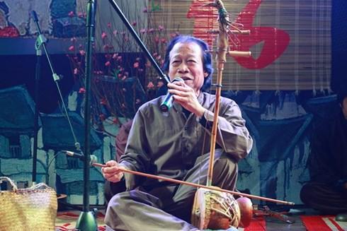 NSND Xuân Hoạch biểu diễn trong Xẩm xuân 16.