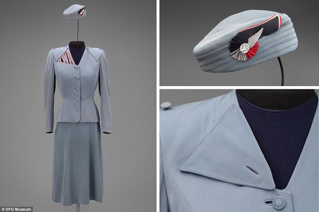 Trang phục nữ tiếp viên phi hành đoàn Transcontinental & Western Air do nhà thiết kế thời trang nổi tiếng Hollywood Howard Greer tạo nên năm 1944.