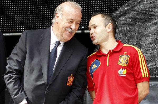Thời Del Bosque, Tây Ban Nha sở hữu nhiều ngôi sao lớn cỡ Iniesta