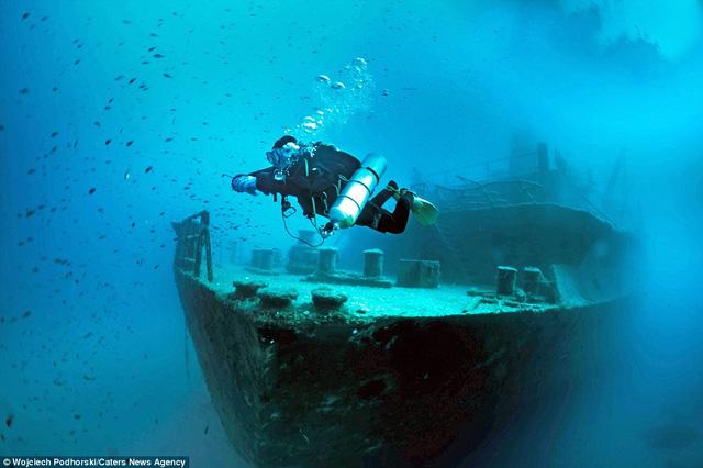 Um El Faroud là một trong những con tàu đắm trong hành trình khám phá lần này.