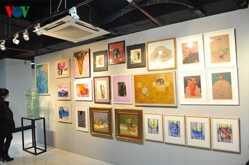 Rất nhiều các tác phẩm đẹp và độc đáo được trưng bày tại hội chợ.