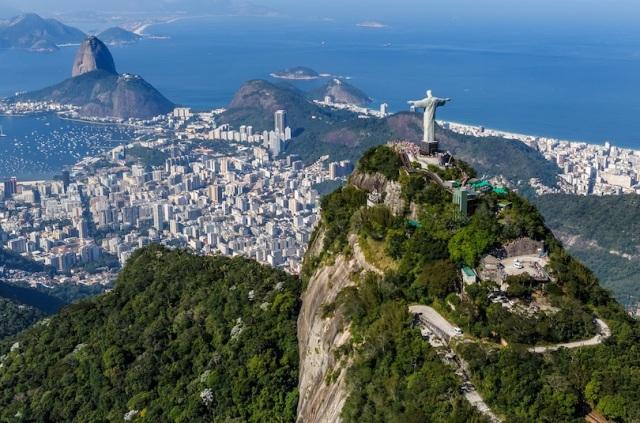 Thế vận hội Olympic sẽ diễn ra tại đây vào mùa hè này nên Rio có đầy đủ tâm trạng tuyệt vời nhất chào đón khách du lịch.