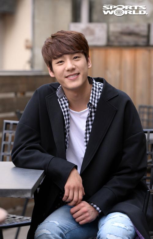 Ngoài đóng phim, Kwak Si Yang còn tham gia đóng các MV ca nhạc.
