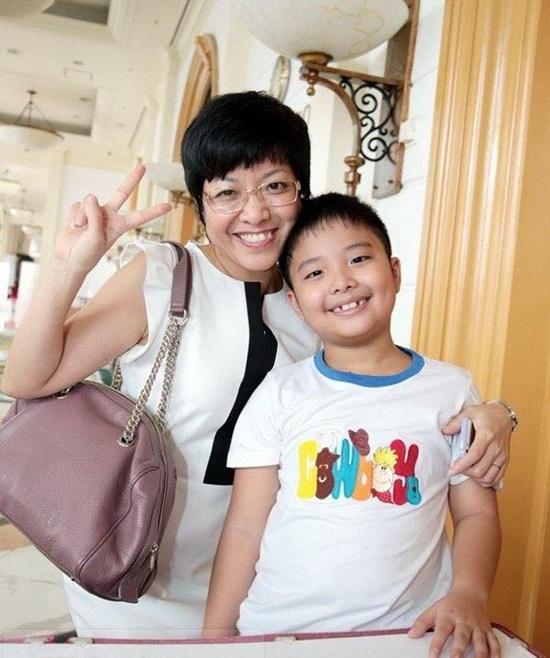 MC Thảo Vân đang sống hạnh phúc với con trai nhỏ.