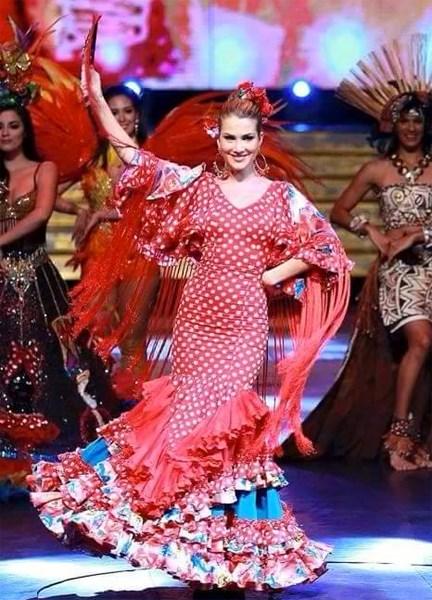 Mireia Lalaguna trong điệu nhảy flamenco