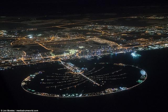 Hòn đảo nhân tạo Palm ở Dubai nhìn từ trên cao