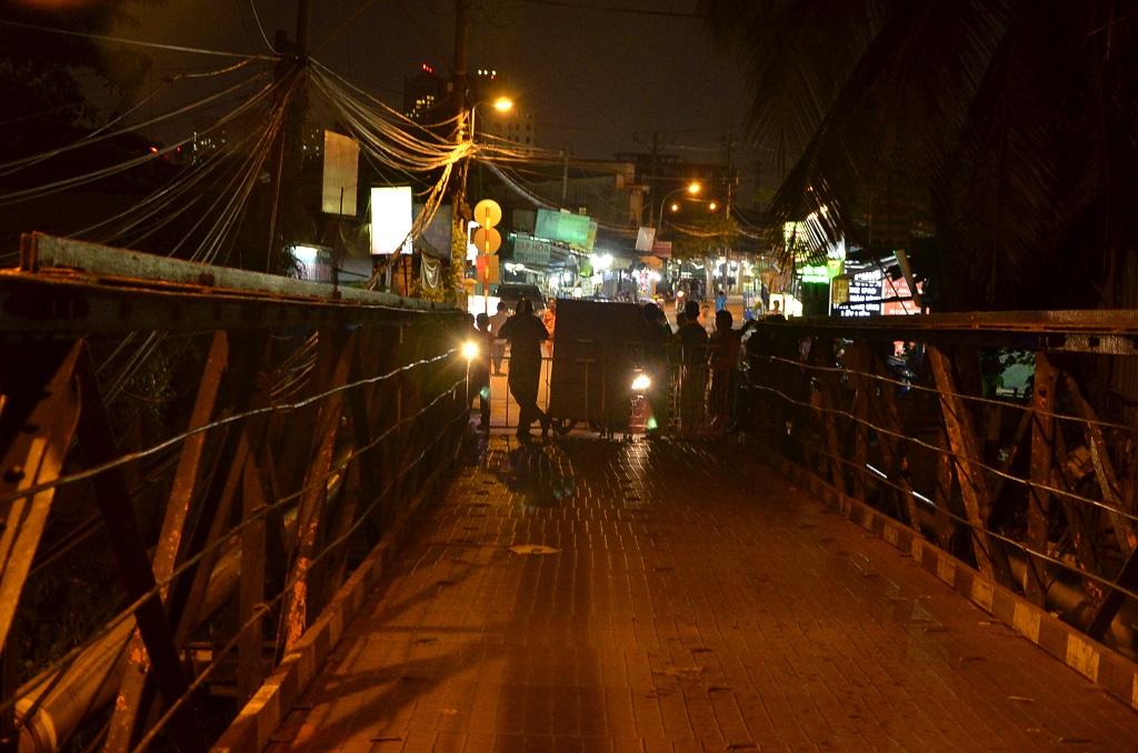 Cầu Rạch Đĩa bị phong tỏa cả 2 hướng