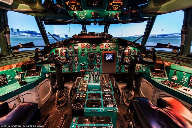 Văn phòng làm việc của phi công
