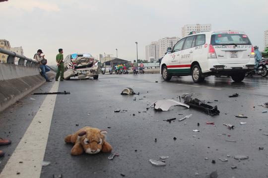 Chiếc mũ bảo hiểm được cho là nguyên nhân dẫn đến vụ tai nạn liên hoàn này. (Ảnh: nld.com.vn)