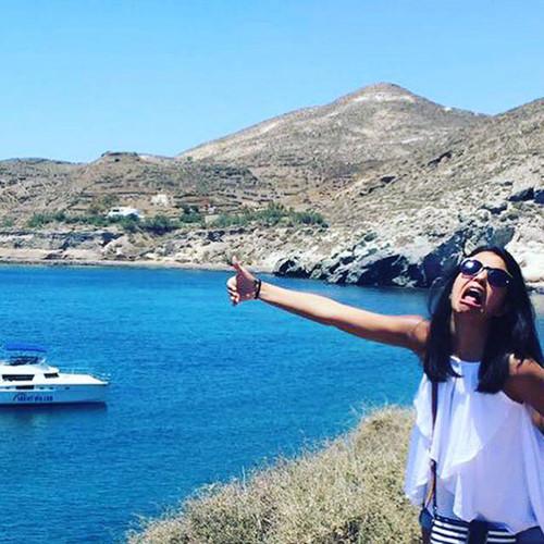 Vậy là Huma Mobin đành ngậm ngùi đi nghỉ trăng mật ở Hy Lạp cùng với bố mẹ chồng.