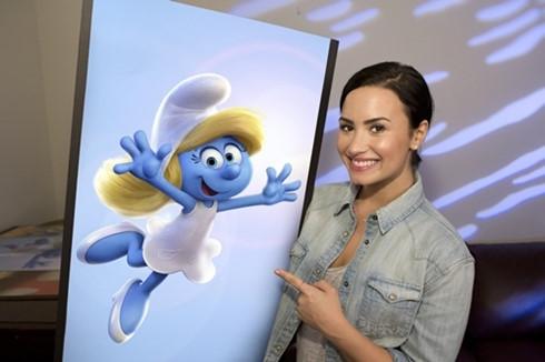 Tí Cô Nương trong Smurfs: The Lost Village sẽ mang giọng nói của Demi Lovato.