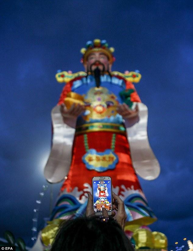 Hình ảnh Thần Tài - vị thần đại diện cho tài lộc (Ảnh: EPA)