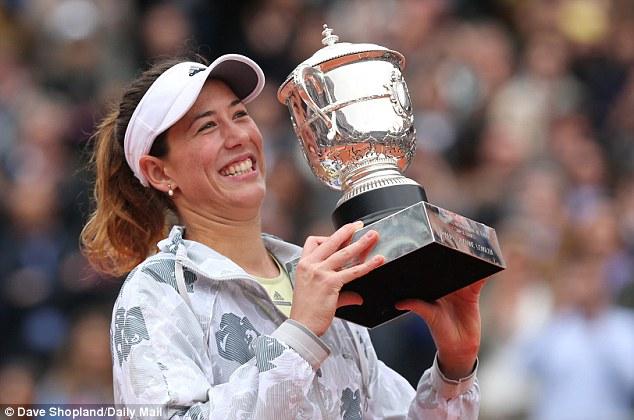 Muguruza là tay vợt Tây Ban Nha đầu tiên vô địch Roland Garros sau 19 năm. Ảnh: Daily Mail