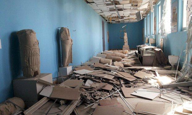 Khung cảnh hoang tàn đổ nát ở Palmyra (Ảnh: The Guardian)