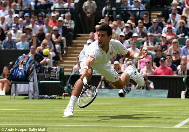 Djokovic chỉ gặp chút ít khó khăn trong set đấu thứ 2