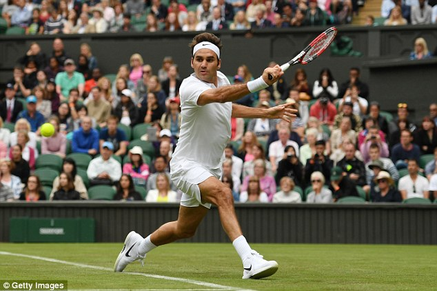 Federer đã gặp phải khá nhiều khó khăn trong trận đấu ra quân