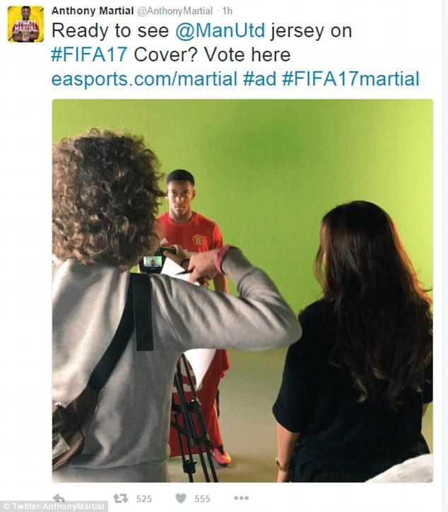 Martial để lộ áo đấu mới của Man Utd trên Twitter